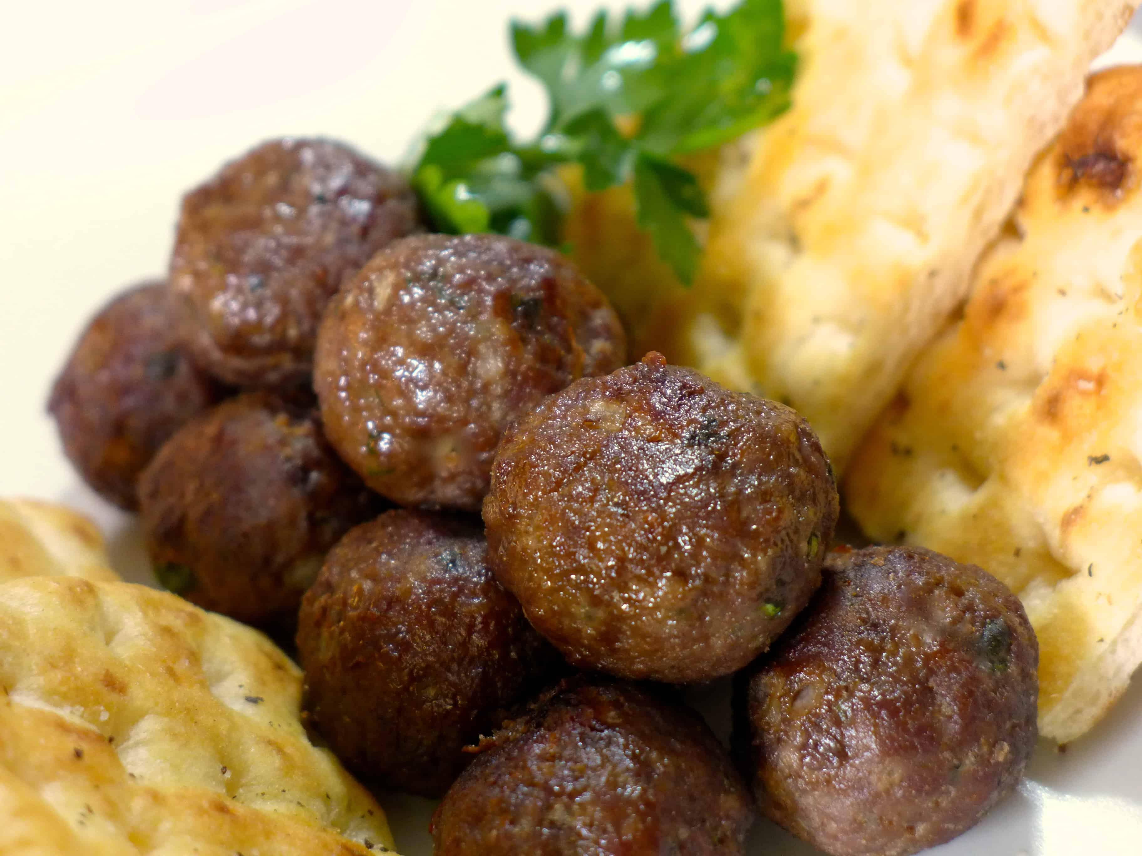 Greek Meatballs recipe (Keftedes/ Keftethes)