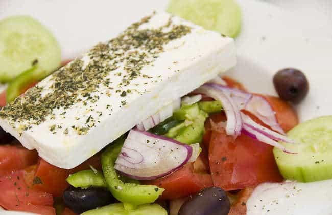 Traditional Greek Salad recipe (Horiatiki / Xoriatiki)