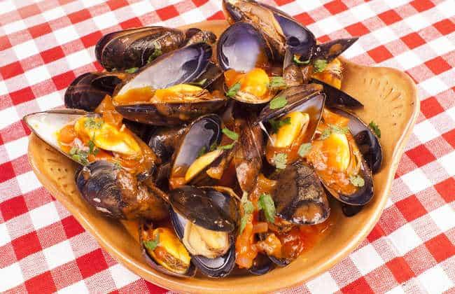Mussels Saganaki recipe (Greek Midia Saganaki)