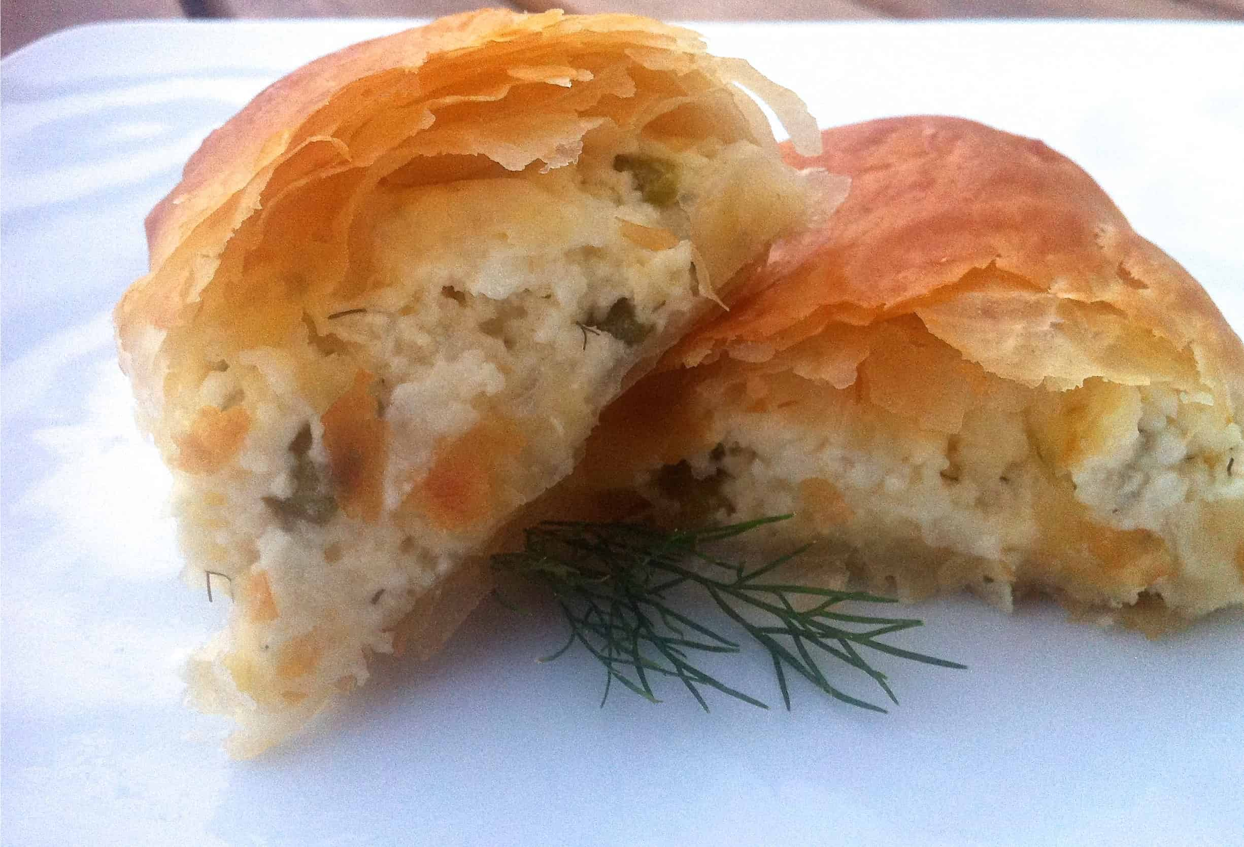 Phyllo dough rolls with feta cheese and peppers recipe for Phyllo dough recipes appetizers indian