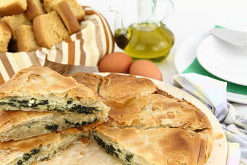Easy Spanakopita recipe (Greek Spinach pie)