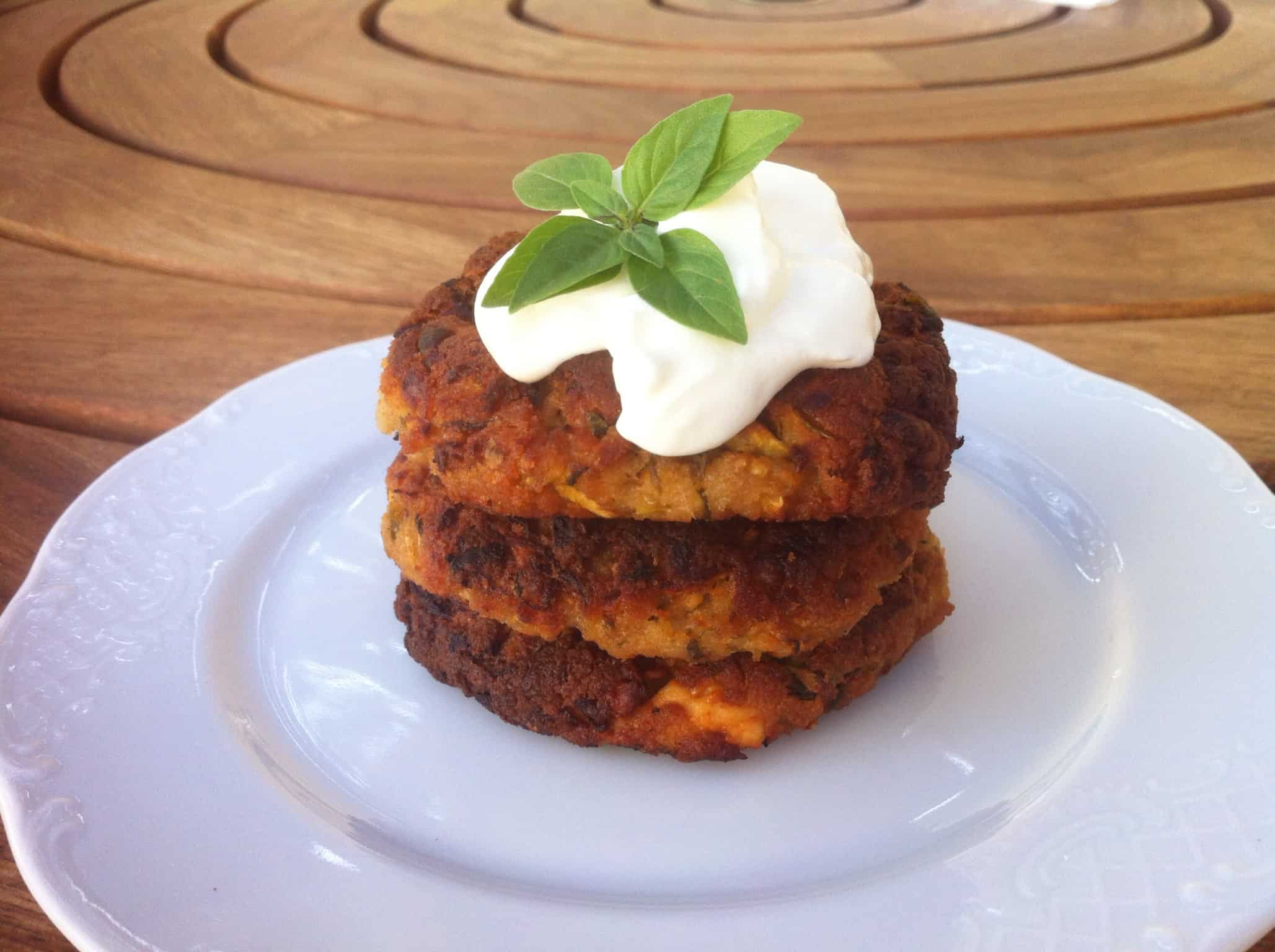 Kolokithokeftedes (Fried Zucchini Balls or Courgette)