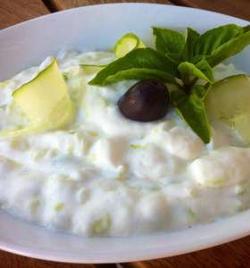 Tzatziki sauce Recipe (Greek Yogurt and Cucumber Sauce)