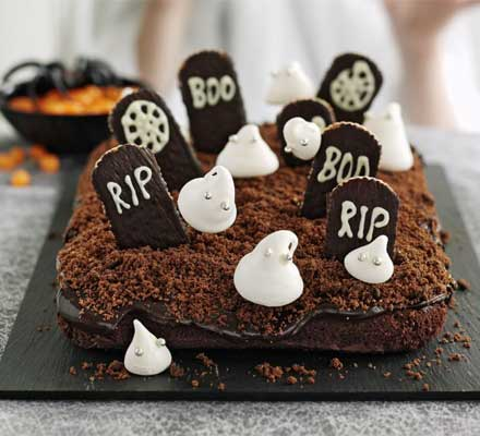 Extra scary Halloween ghost cake recipe - My Greek Dish