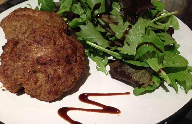 Greek style beef burgers