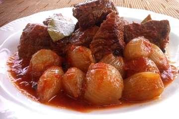 Beef Stifado (Mosharaki Stifado)