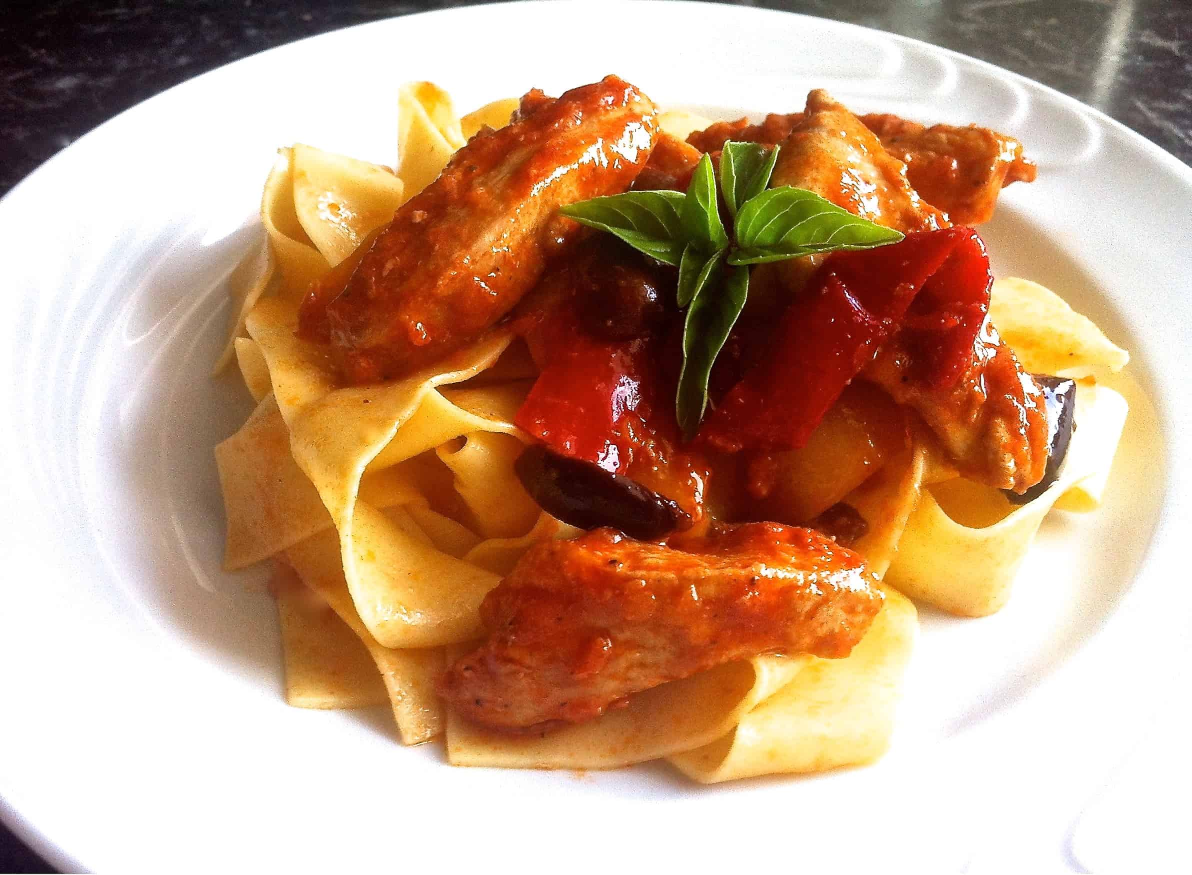 Easy Chicken Recipe With Tomato Sauce Peppers Olives And Pappardelle