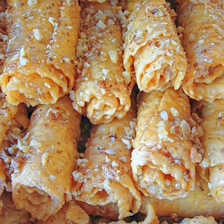 Greek Diples Recipe - Thiples (Christmas Greek Pastries with Honey)