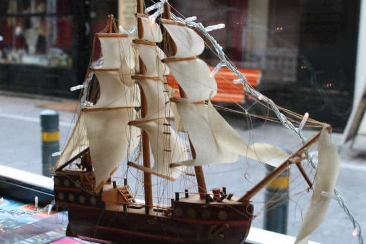christmas-ship-decoration-9