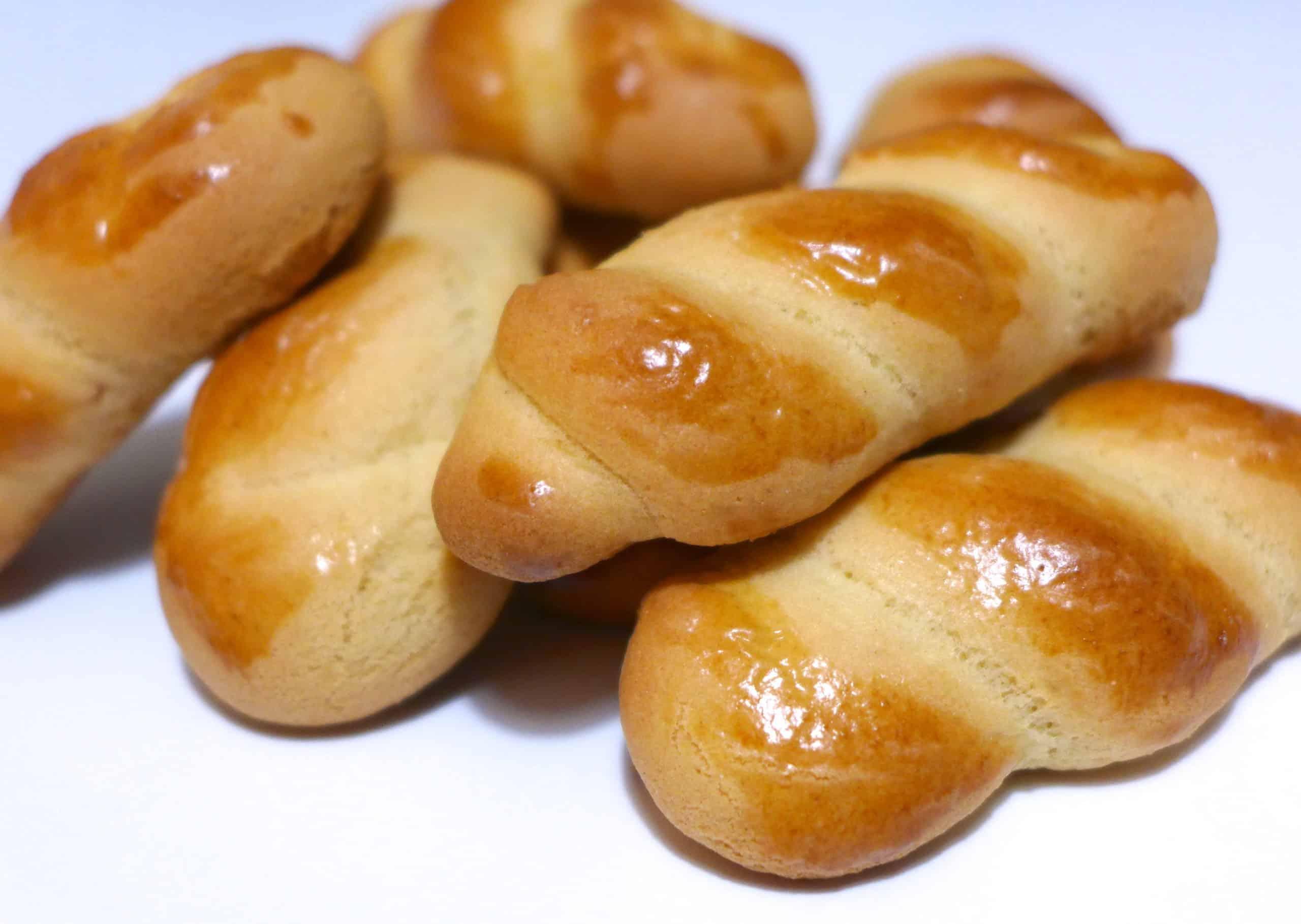 Koulourakia recipe (Greek Easter Cookies)