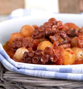 Greek Octopus and onion stew recipe (Octopus stifado)
