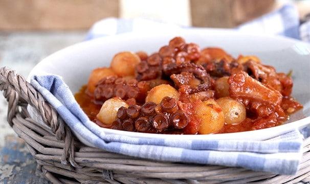 Greek Octopus and onion stew recipe (Octopus stifado)