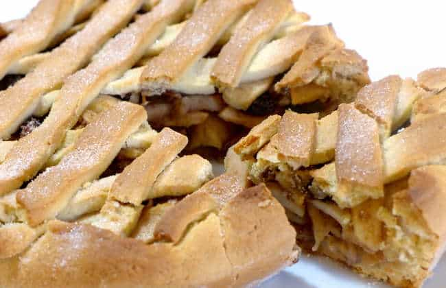 Scrumptious Lenten Apple Pie Recipe! (Greek Milopita)