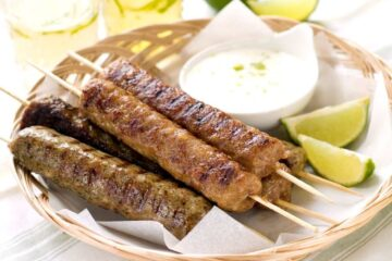 Spicy minced Lamb Kofta Kebab Recipe (Giaourtlou)
