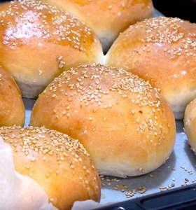 Best homemade Hamburger Buns recipe!