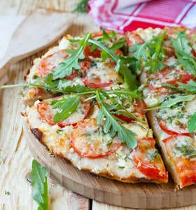 Greek Style 15 Minute Pita Pizza Recipe