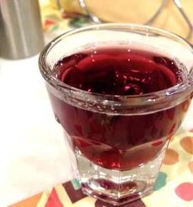 Aromatic Greek-style Mulled Wine Recipe (Krasomelo/ Oinomelo)