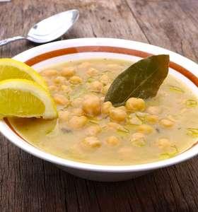 Greek Chickpea soup recipe (Revithia)