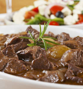Traditional Greek lemon beef stew recipe (Moschari lemonato)