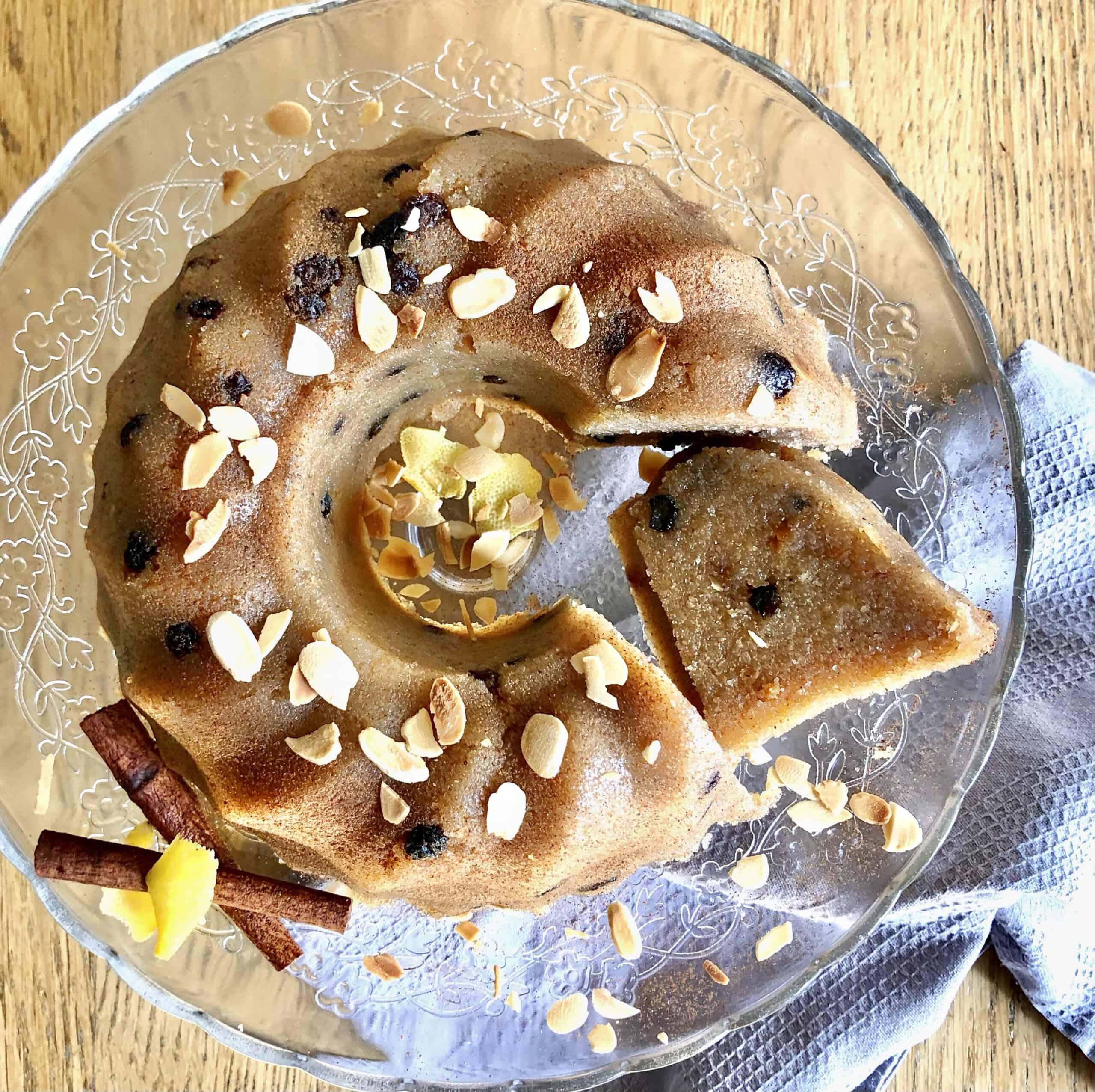 Greek Halva recipe (Semolina Pudding with nuts)