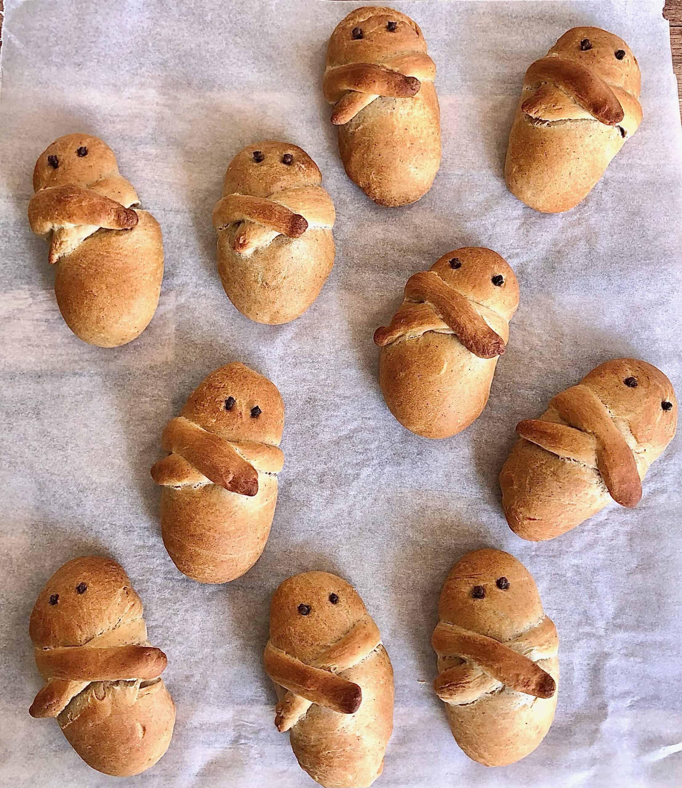 Greek Lazarakia bread recipe (Easter Lazarus breads)