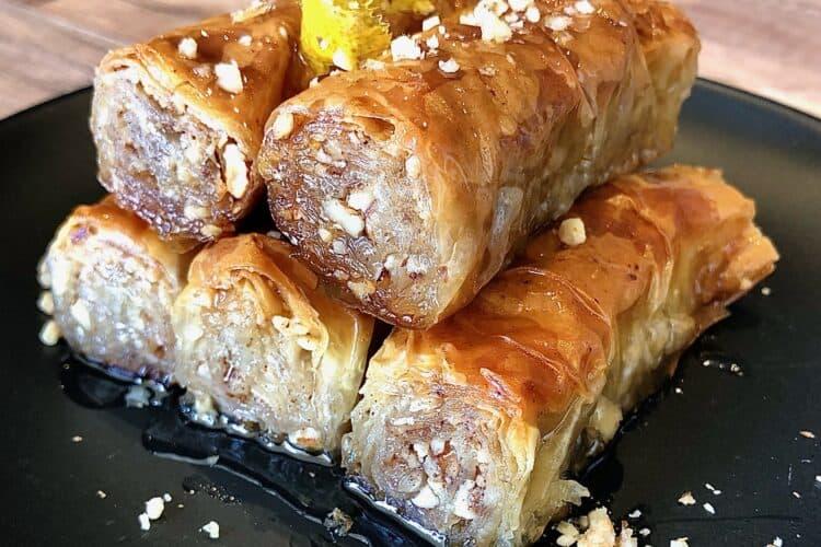 Greek baklava rolls (Saragli) recipe